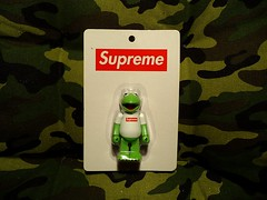 Kermit X Supreme (Sneaker Freak) Tags: nyc red logo toys box frog camo kermit supreme