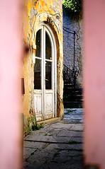 Non entrare. (polafol) Tags: private slovenia entry interno scorcio prive alessandro portone cortile guardare pirano privato entrare furtivo proprietaprivata curiosare masiero polafol masieroalessandro