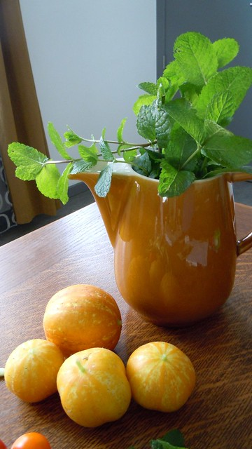 Lemon cucumbers with mint