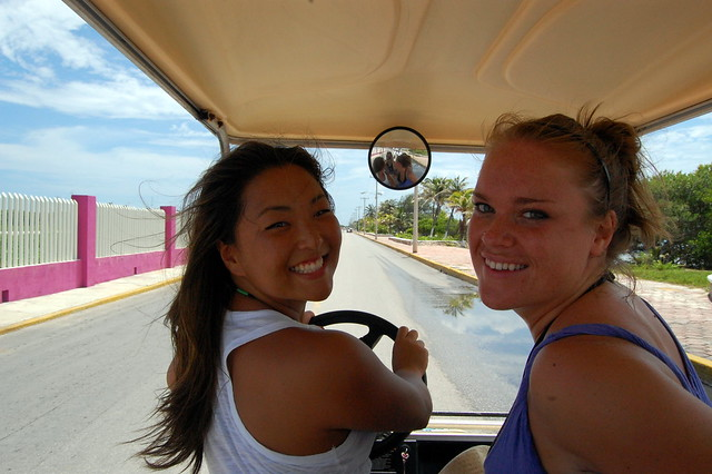 cancun_isla_mu_cart_ladies