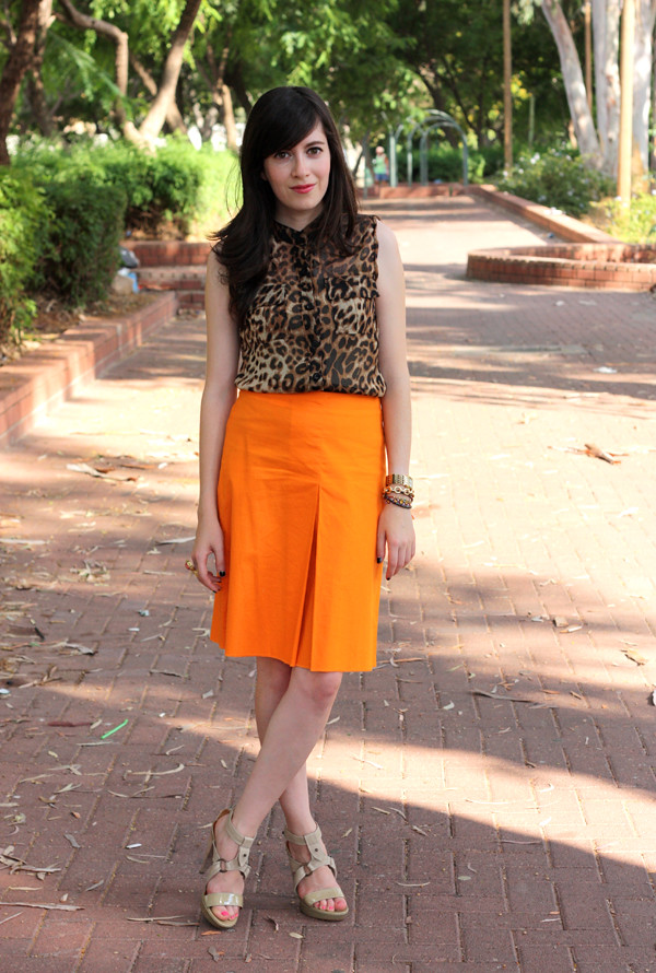 leopard_top_orange_skirt7