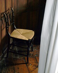 Sussex Chair? (DizDiz) Tags: rushseat boscobelhouse e410 woodenfloorboards wallpanellingenglish heritagerustic chairstaffordshireenglandukolympus