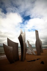 Omaha beach 2 (sylvain.landry) Tags: travel family sky france art beach nature canon photography eos photo lomo europe bestof raw photos 5d omaha normandie dslr guerre reims wer 1944 sylvain landry mkii iiwar remois 5dmkii eos5dmkii sylvainlandry nomrmandy