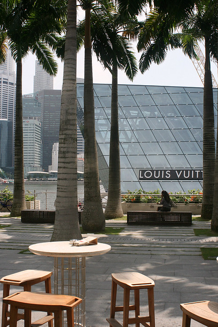 South Coast faces the Marina Bay right opposite the upcoming Louis Vuitton flagship store that's set to open Sep 2011
