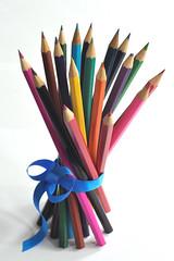 Fagot de couleurs (Nijule) Tags: france color colour pencil catchycolors nikon bokeh crayon try couleur ruban 2011 d90 fagot exercice