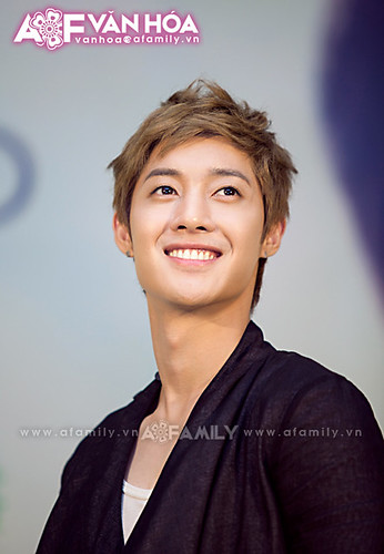 Kim Hyun Joong TFS Fansign at Queen Plaza [110812]