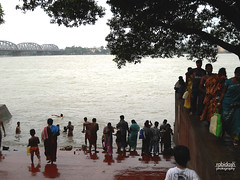 Open Air bath (rabidash*) Tags: india river bank dash kolkata rabi ganges westbengal rabindra rabidash rkdash rabidashphotography