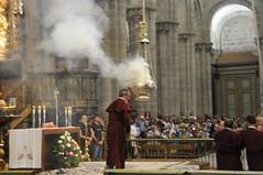 110805 SANTIAGO COMPOSTELA (239) (Carlos Octavio Uranga) Tags: camino catedral galicia incense botafumeiro incienso encens santiagocompostela alcachofa censer incensario tiraboleiros encensuar