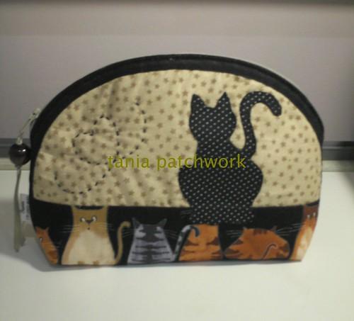 Necessaire Gatos ( o outro lado) by tania patchwork
