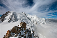 aiguille du midi (heavenuphere) Tags: snow france mountains alps clouds alpes landscape 5 climbing alpine chamonix 1022mm montblanc gi massif aiguilledumidi hautesavoie rhônealpes chamonixmontblanc téléphériquedelaiguilledumidi