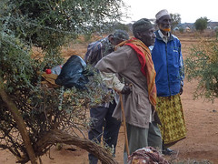 Greeting at Bulesa Dima (GHNIeastafricaSTT) Tags: dima bulesa