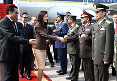 น.ส.ยิ่งลักษณ์ ชินวัตร นายกรัฐมนตรี เยือนประเทศอินโดนีเซียอย่างเป็นทางการเมื่่อวันที่ 12 กันยายน 2554 เพื่อสานสัมพันธ์ระหว่างประเทศทั้งทวิภาดีและพหุพาดี1899123019333