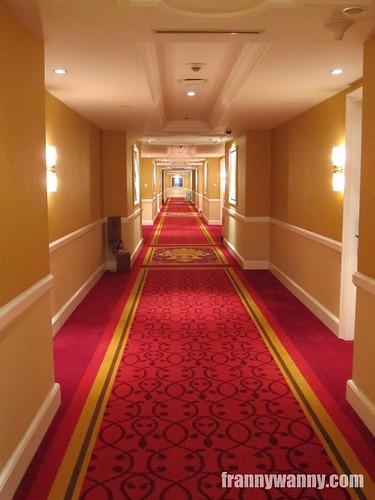 maxims hotel manila