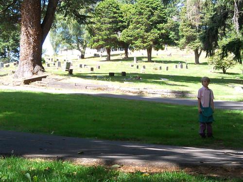Nels, Cemetery