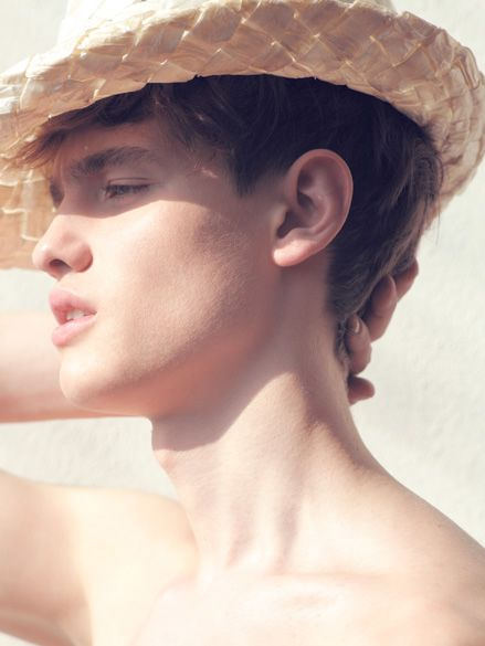 Vladimir Averyanov0012(Blacl Model Management)