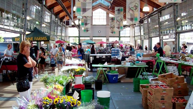 St. Catharines Farmers' Market - 20 August 2011 - NiagaraWatch.com