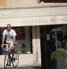 Italian Cycle Chic [Bassano del G.] (Luca Violetto) Tags: cyclechic italy italia italiancyclechic bassanodelgrappa stile bicicletta bike streetphotograpy veneto vicenza city urban hot summer ragazzo bicidacorsa vintage