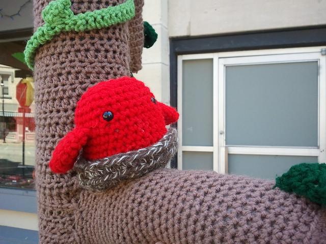 Wcap yarn bomb
