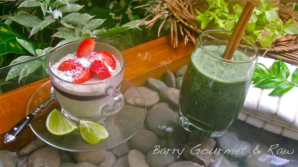 Chocolate Coconut Pudding & Wheat Grass Smoothie