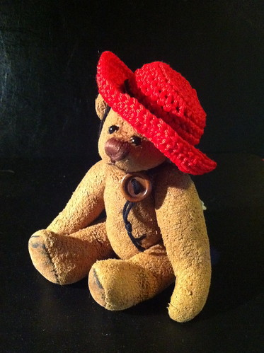 Borromini Bear  and Ea's Red Hat 02(stylish)