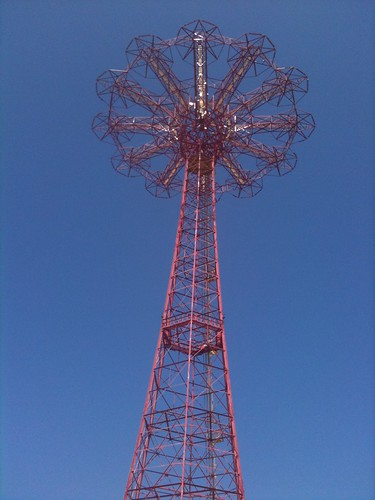 Antigua atracción Parachute Jump de Coney Island