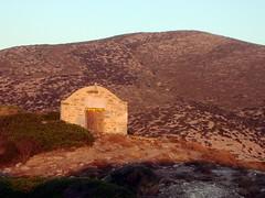 chiesetta a episkopi,sikinos (silvia07(very busy)) Tags: blue sea church holidays tramonto mare olympus chiesa greece grecia vacanze cicladi marmediterraneo kyklades sikinos maregeo