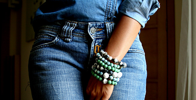 total denim outfit, bracelets
