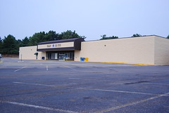 Old Elizabethtown K-Mart (Jim Huber Photography) Tags: road street old building abandoned retail kentucky ky vacant kmart mulberry bardstown elizabethtown us62