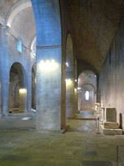 Monestir de Sant Pere de Galligants, Gerona, pier and aisle