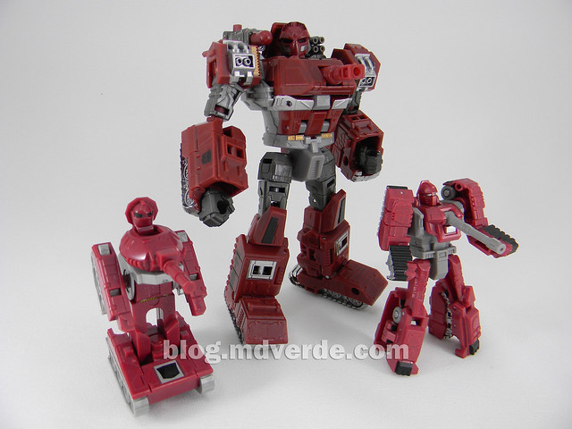 Transformers Warpath Generations Deluxe - modo robot vs Legends vs G1