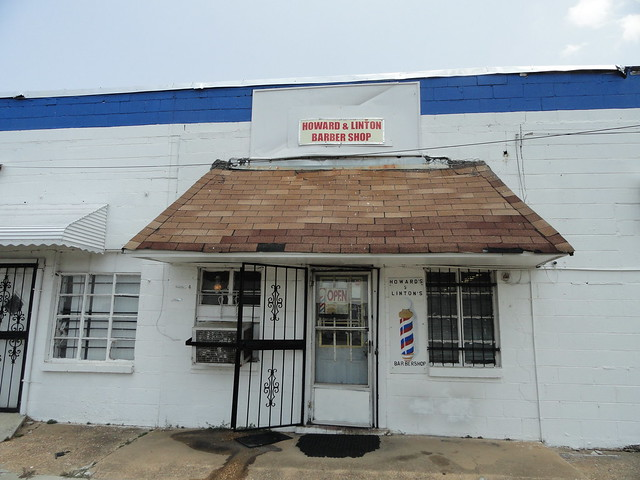 Howard & Linton Barber Shop, Tuscaloosa AL