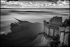 Mont Saint-Michel #1 (jul_mo) Tags: blackandwhite bw france nature contrast canon landscape blackwhite noir ciel contraste normandie paysage hdr montsaintmichel noirblanc 2011 flickrunitedaward foudephotos jullebarge