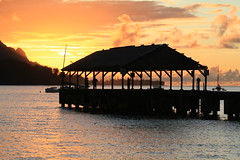 Hanalei Pier @ Sunset (Niroshan Sothilingam) Tags: sunset hawaii waterfall kauai beaches hanaleipier napalicoast hanaleibay thegardenisland