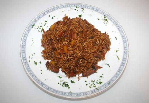 34 - Gebratene Nudeln mit mariniertem Schweinefleisch / Fried Noodles with marinated pork -Fertiges Gericht