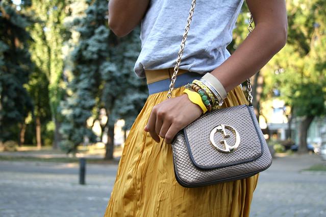 fashion details, gucci, bracelets, power balance