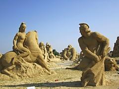 Movie-themed sand sculptures (Ben Hur, Predator & Alien, King Kong, etc.), Burgas, Bulgaria 2011 (ali eminov) Tags: sculptures statues statuesandsculptures sandsculpture moviethemedsandsculptures burgas bulgaria sandsculpturefestival