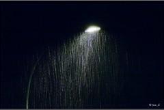 Farola bajo la lluvia ( Juan_de (ON - OFF)) Tags: blancoynegro blackwhite noiretblanc pretoebranco biancoenero