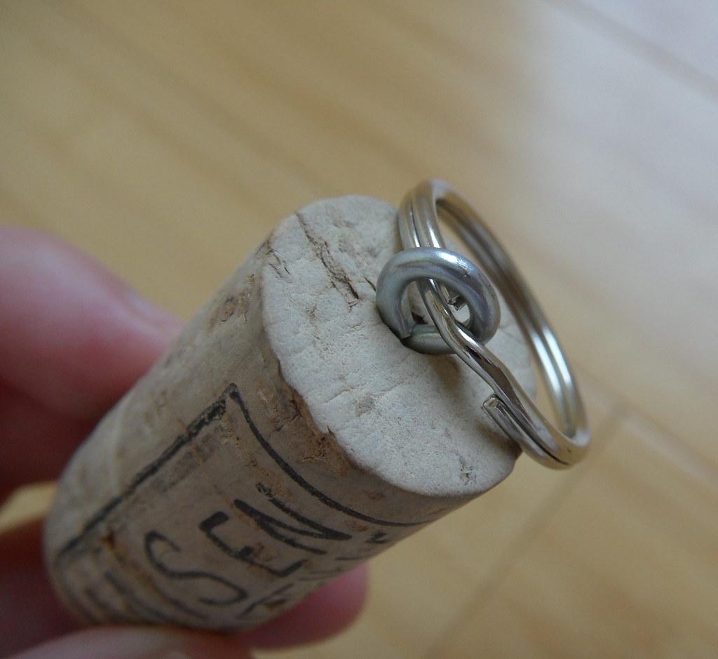 winecork keychain