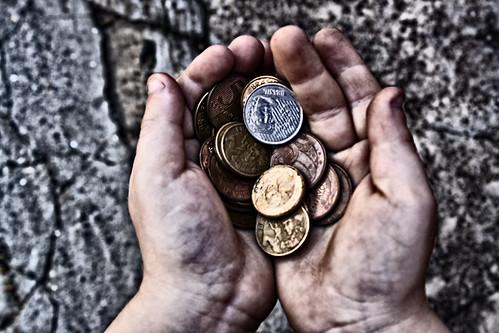 Tem uma moeda ai, moço (A)? by Adar Rodrigues