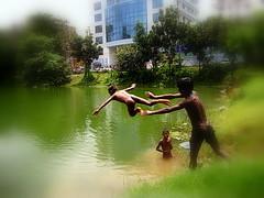 ~~FUN IN THE SUN~~ (~~ASIF~~) Tags: canon dhaka bangladesh waterdiving