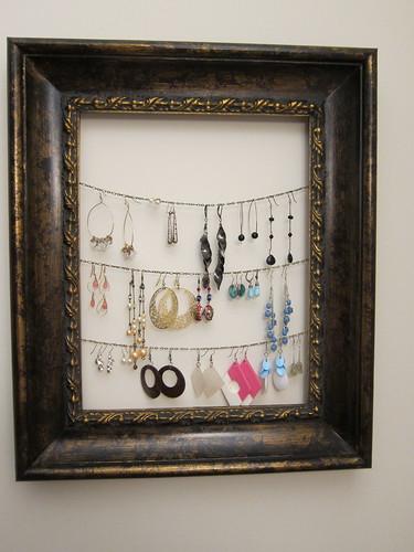 earrings frame