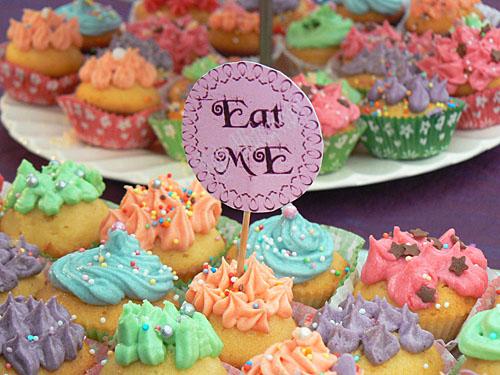 cupcake, eat me.jpg