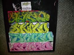 Skizo (Grimey ♕ Trains™) Tags: street canada art graffiti sticker quebec burner bomb skizo
