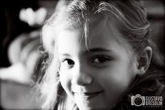 Eduarda (Gustavo Bresolin) Tags: brazil bw white black girl monochrome smile branco brasil canon eos rebel blackwhite kid eyes child olhos pb preto ojos guria garota sorriso criana menina rs riograndedosul f28 xsi lightroom duda pretobranco eduarda 1755mm flickr2000 450d gustavobresolin