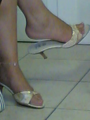 Waiting for the doctor (4) (An hot guy) Tags: woman feet toes legs sandals candid skirt flipflop barefeet mules dangling crossedlegs paintednails sabot shoeplay