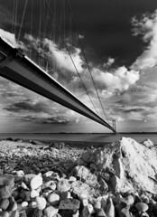 Humber Bridge B&W (alexbaxterca) Tags: bridge bw canon river hull humberbridge humber 450d
