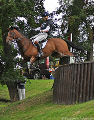William Fox-Pitt and Parklane Hawk (Vicktrr) Tags: crosscountry equestrian 3dayeventing williamfoxpitt burghleyhorsetrials leafpit jonathanpaget parklanehawk leafpitlog dropfence