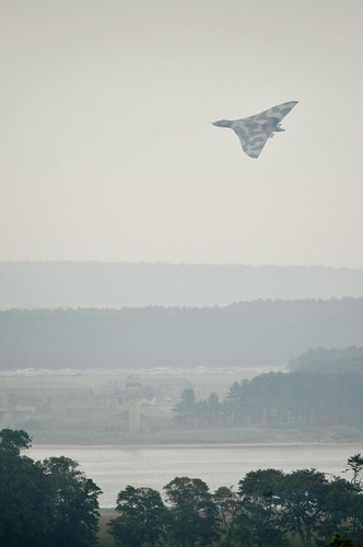 XH558 over RAF Leuchars by Ghiribizzo
