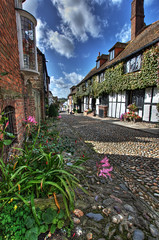 Rye (Stuart Gennery Photography) Tags: flowers windows plant clouds buildings rye cobbles eastsussex hdr themermaid canon450d mygearandme