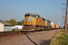 UP 4605 west in Cortland,Illinois on September 13,2011. (soo6000) Tags: railroad up train illinois cortland 4605 sd70m
